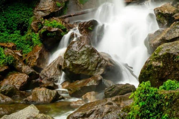 Air Terjun Nohsngithiang