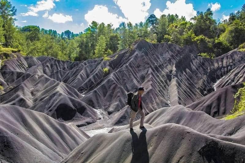 7 Destinasi Wisata Padang Pasir di Indonesia Cakepnya Kayak Di Timur Tengah