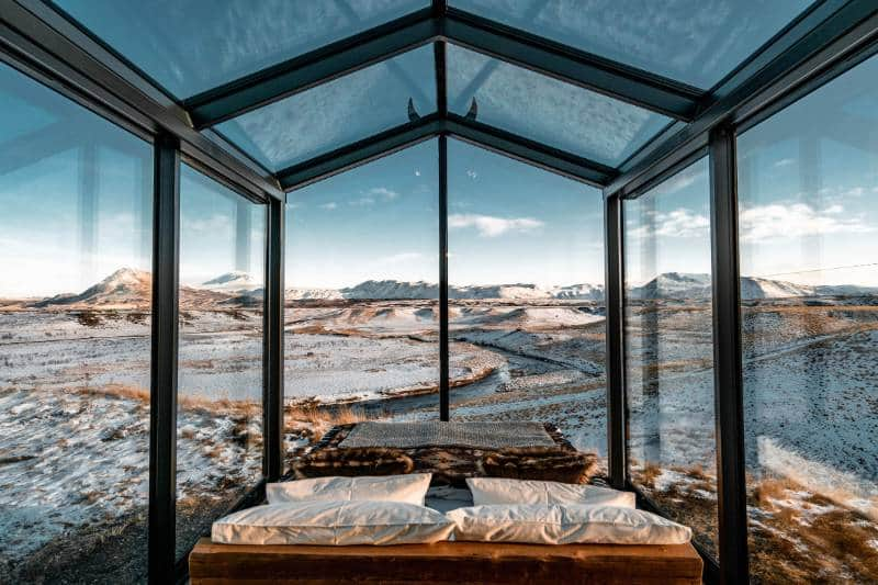panorama glass lodge islandia