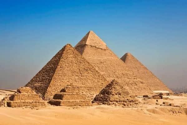 Jelajahi 10 Destinasi Wisata Sejarah Mesir Kuno