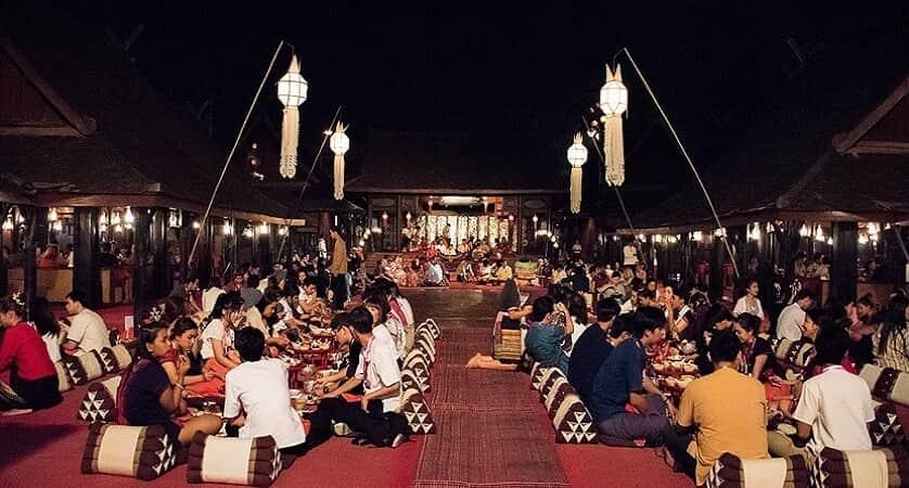 khantoke dinner di old chiang mai cultural center