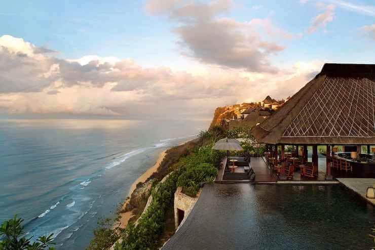 Hotel Diatas Tebing