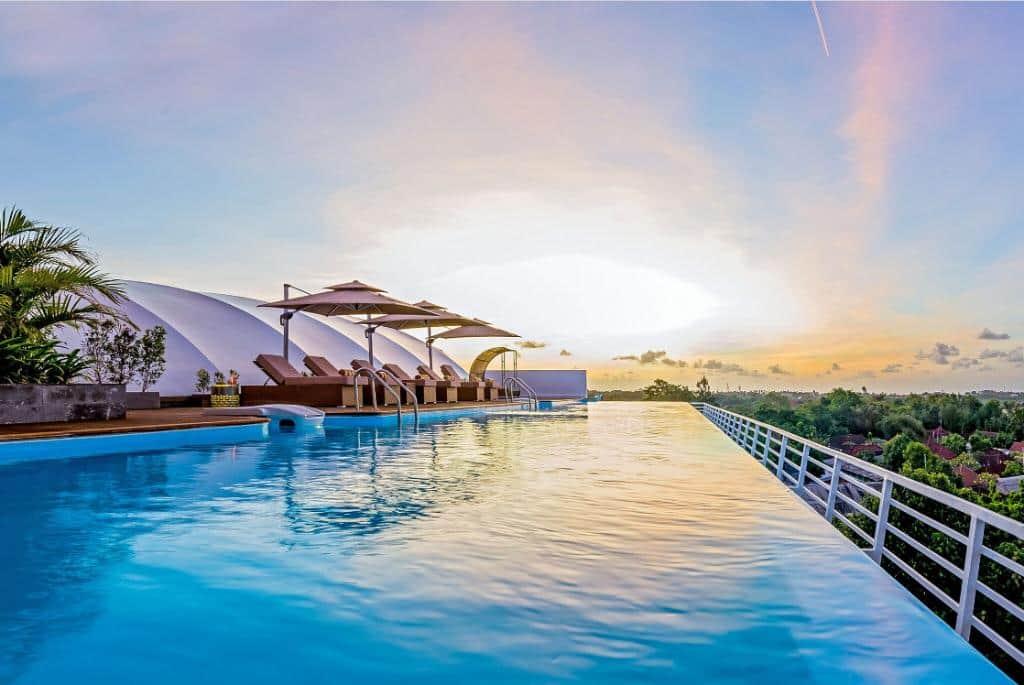 10 Hotel Terbaik di Jimbaran Bali Tawarkan Pemdandangan yang Wow Banget