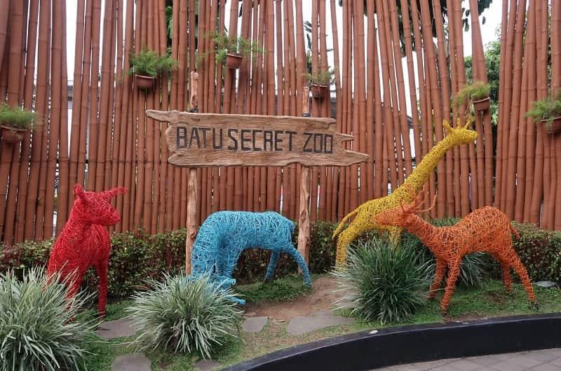 Kebun Binatang Terbaik Indonesia