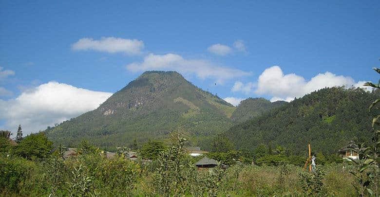 10 Gunung Untuk Pendaki Pemula Di Indonesia Jalurnya Landai 10 Gunung Untuk Pendaki Pemula Di Indonesia