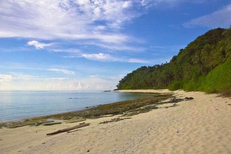 10 Pantai Indah Di Natuna Beningnya Bikin Betah