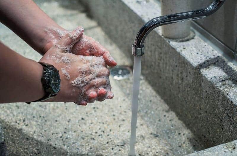 sering mencuci tangan