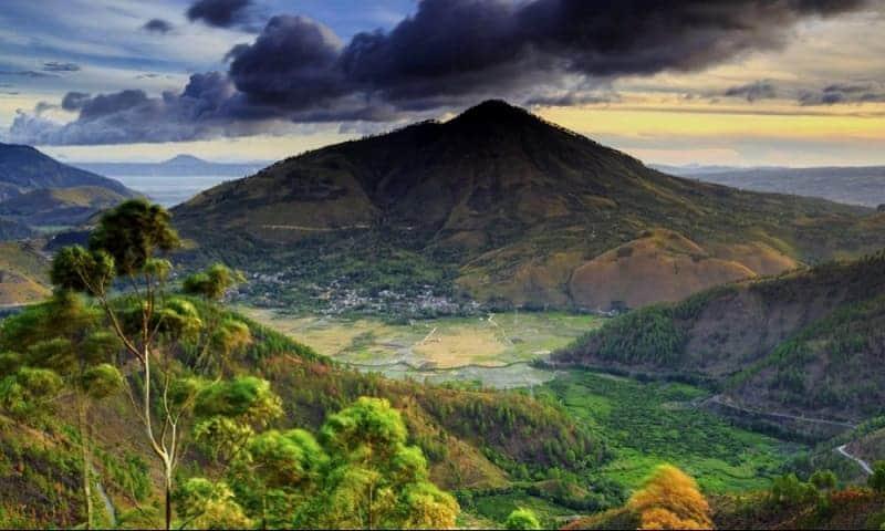 Tempat Wisata di sekitar  Pulau Samosir