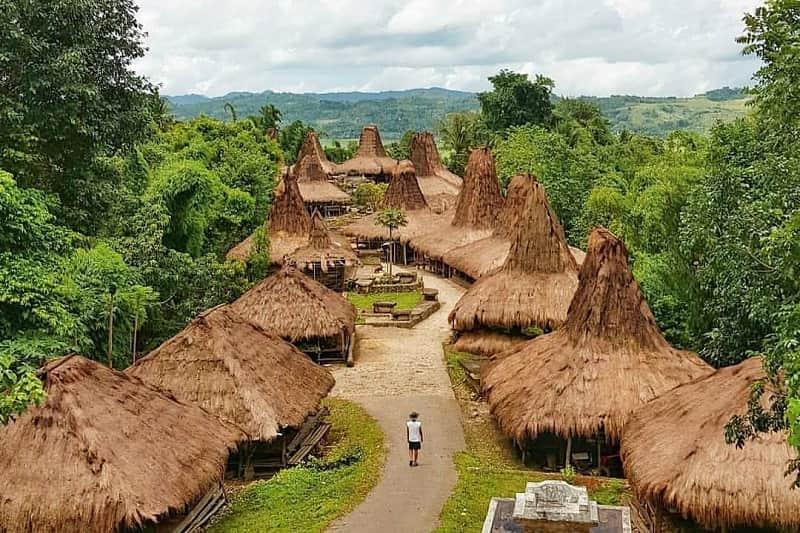 Desa Adat Praijing