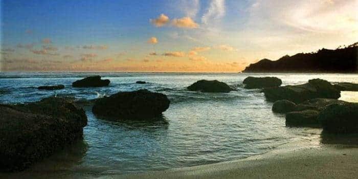pantai indah di Pacitan