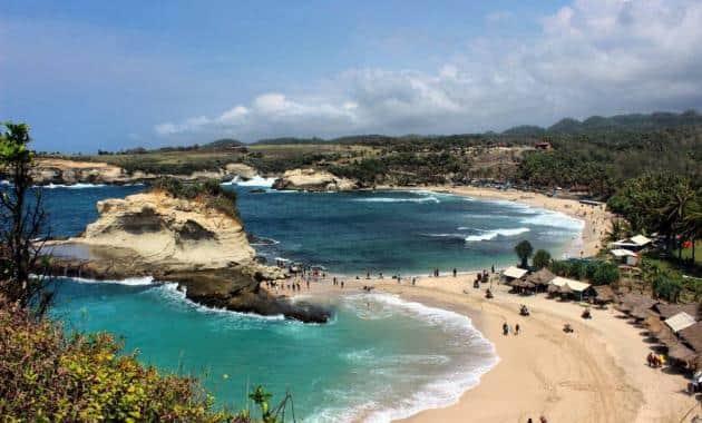 10 Pantai Keren di Pacitan, Keindahannya Nggak Kalah Sama Bali, lho