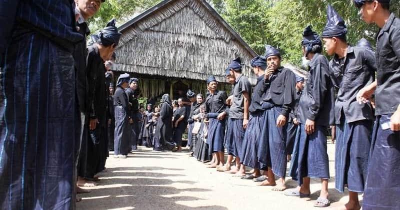 Suku Kajang Ammatoa