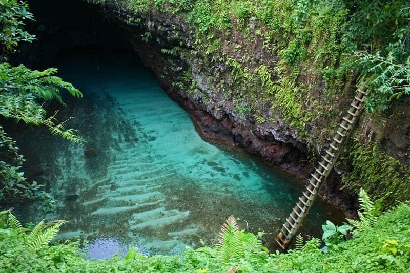 Kolam Dalam Goa Terindah di Dunia