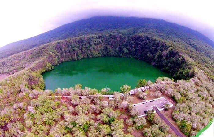 Danau mistis di Indonesia