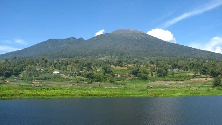 gunung pendakian di Sumatera