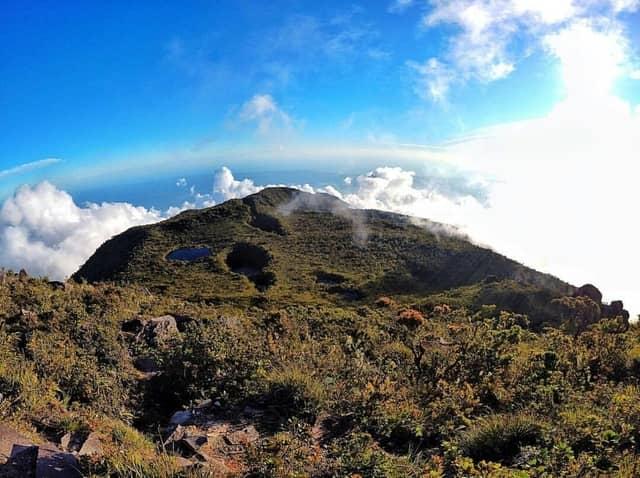 jalur  pendakian terkenal di Sumatera