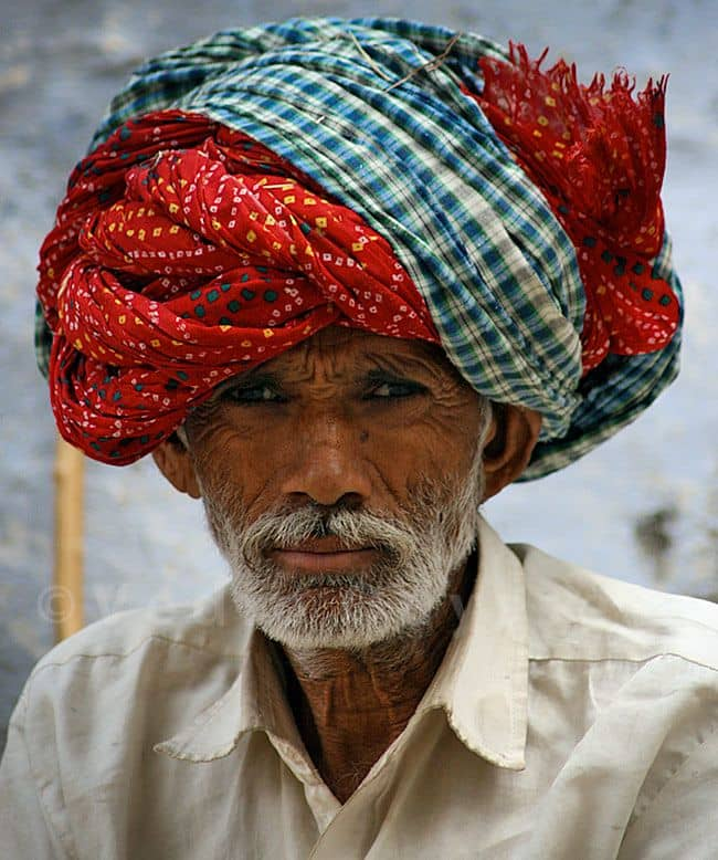 Tradisi penutup kepala dari berbagai negara di dunia