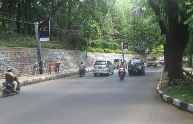Jalan Babakan Siliwangi Bandung