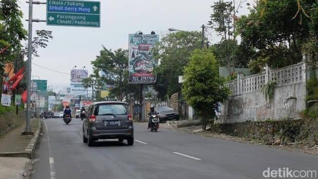 Jalan Raya Bandung