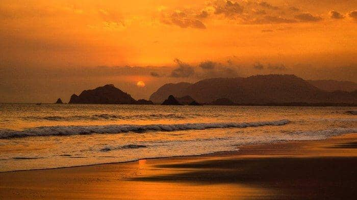 Pantai  Rowo Cangak