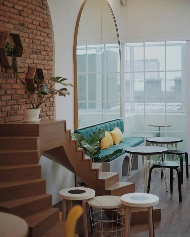 Superbee Cat Cafe