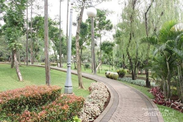 Taman terdekat