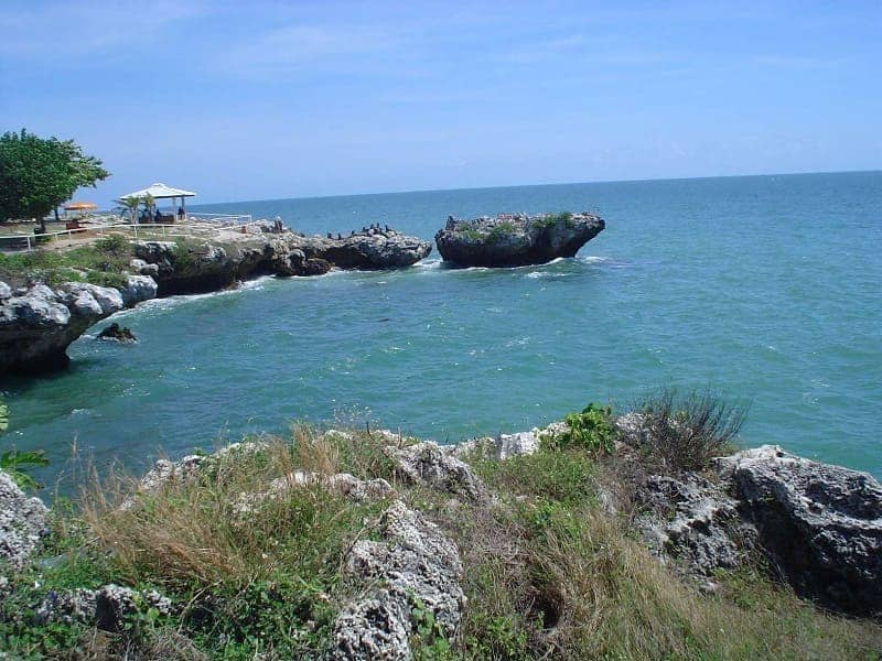10 Wisata Pantai di Lamongan Bersih Dan Tenang