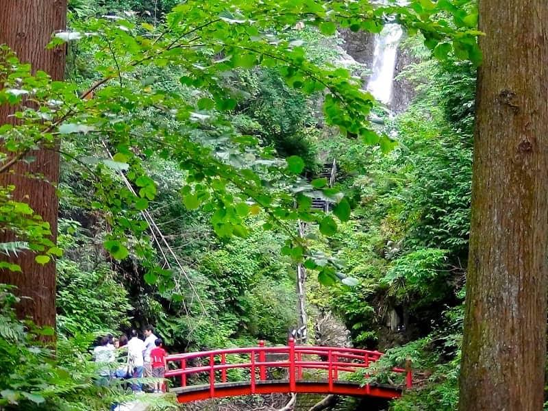 Air Terjun paling indah di Jepang