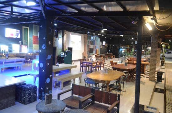 Famouz Cafe Cirebon