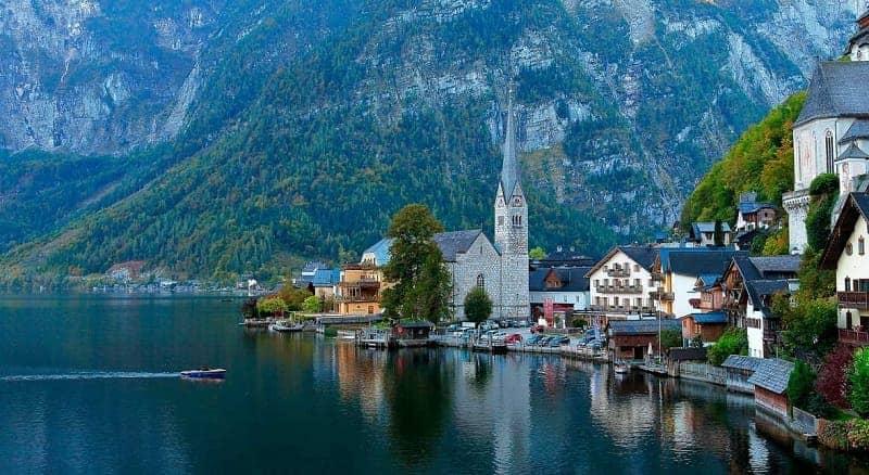 10 Danau Terindah di Eropa Pesonanya Bikin Geleng Geleng Kepala