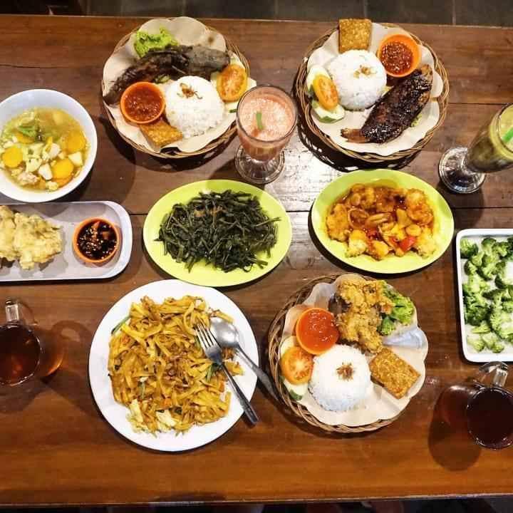 10 Rekomendasi Kuliner Enak Dekat Candi Borobudur